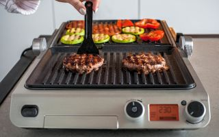 Готовим дома как на мангале – технология SteakWind в гриле Wollmer S807