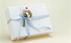 Живые цветы для упаковки подарков, или как сделать праздник особенным